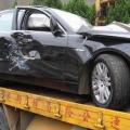 私驾客户保养车出事故 车子受损严重