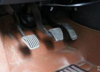 離合器和剎車一起踩會怎么樣