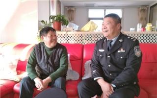"""【网络媒体走转改】片警徐卫星的社区""""网事"""""""