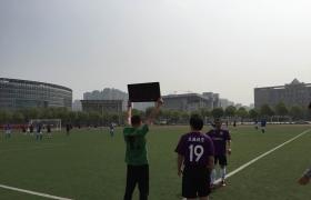 足球比赛中场换人
