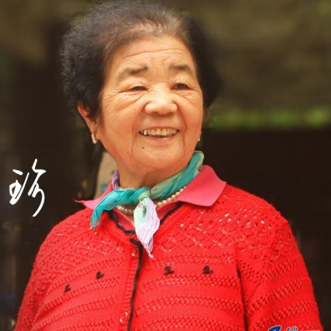 """85岁""""小巷总理""""许巧珍"""