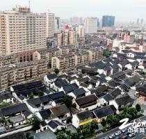 一座现代与传统交织的城市