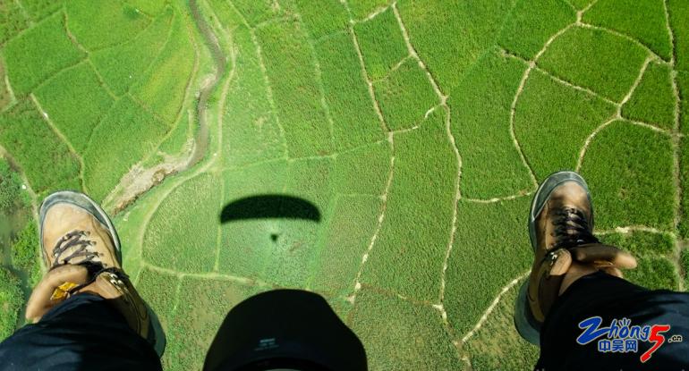 5-3 滑翔伞.png