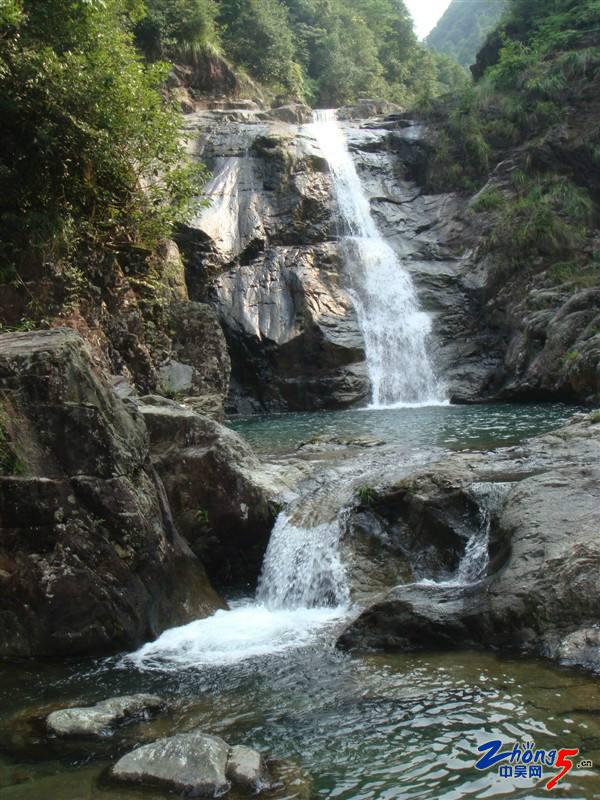 楠溪江瀑布1.jpg