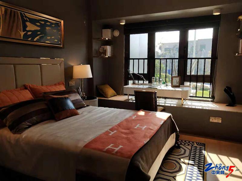 一楼卧室.jpg