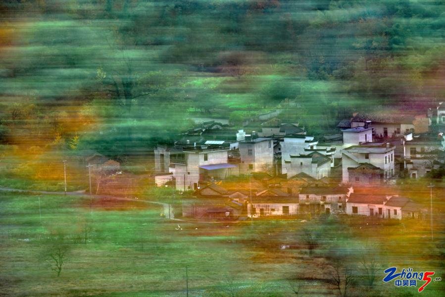 《水墨山村》 白国平.JPG