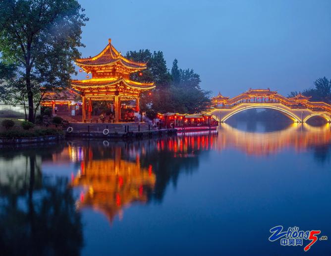 《台城运河之夜》 曹志敏.JPG