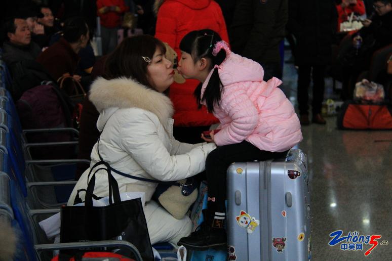 《妈妈的吻》邓志安.JPG