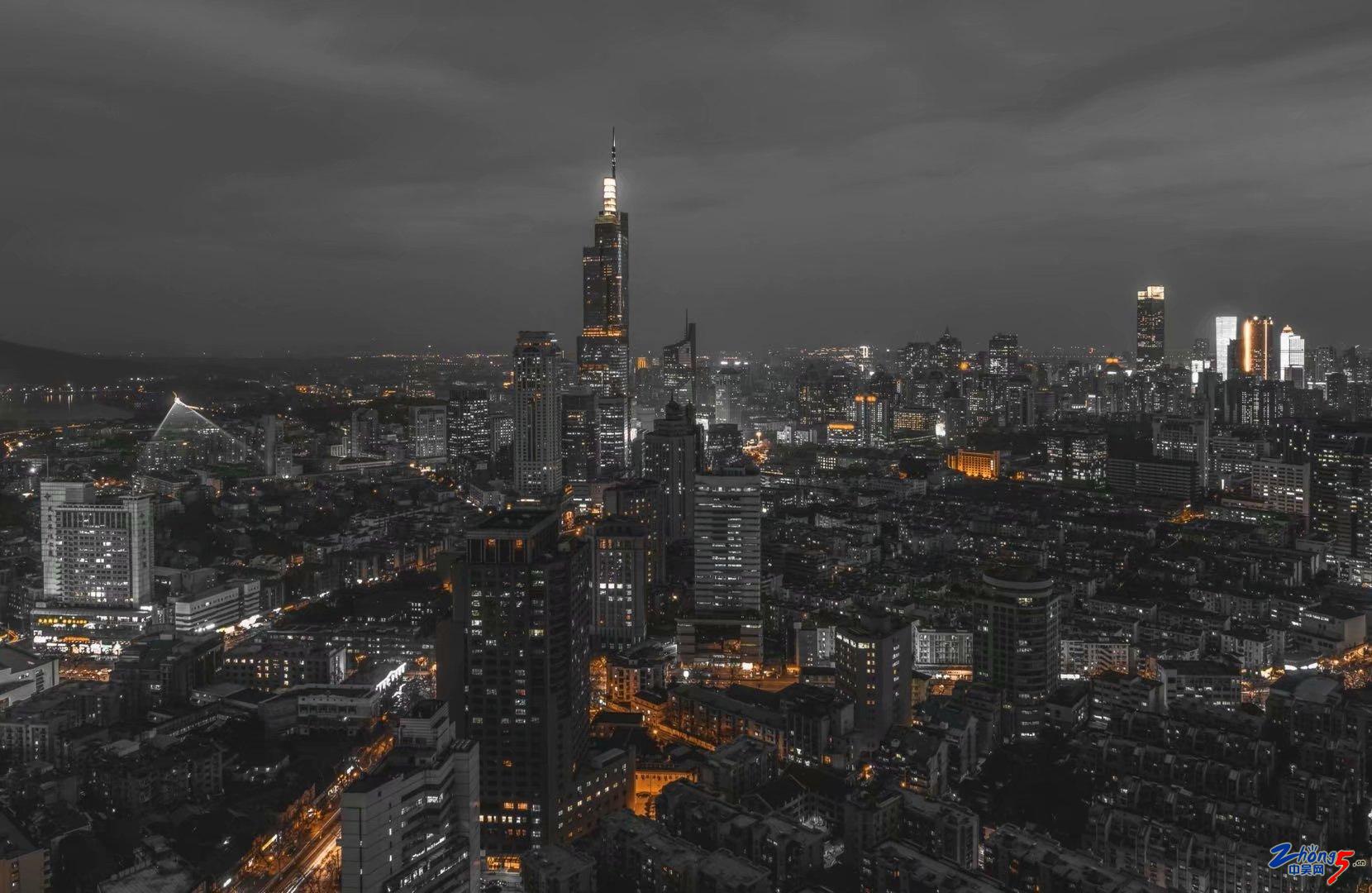 《黑白城市》 方大庆.jpg