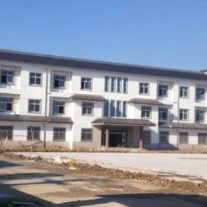 江苏常州一村委办公楼1500平 院内立12生肖石柱