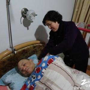 """杨华萍入选""""全国十大身边好人"""" 34年来第一次出远门"""