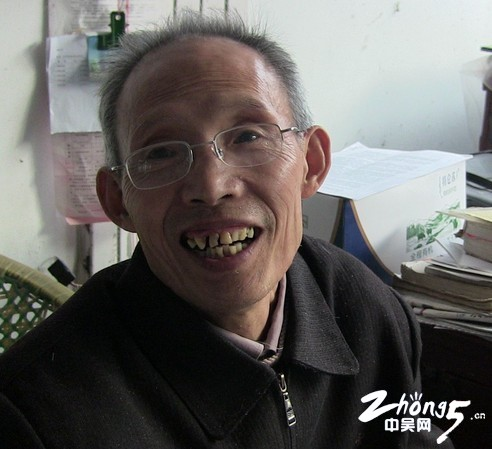 孙国华:省吃俭用的190万元捐献教育
