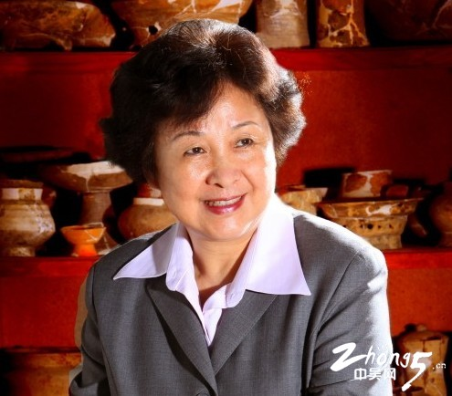 热爱文博事业的陈丽华