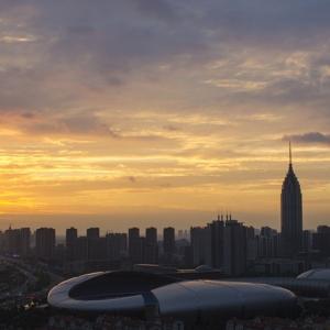 灿烂与现代都市