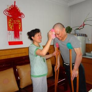 杨华萍:爱一个人 愿从青春到华发