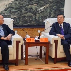 阎立会见中国国民党荣誉副主席蒋孝严
