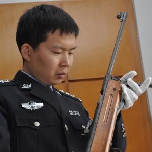 李犇:神探刑警