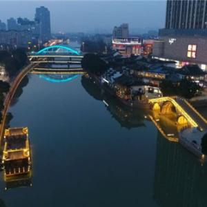 【网络媒体走转改】千年运河再现新姿 灯光演绎常州故事