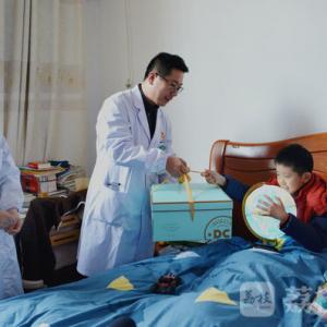 那个被30名医务人员5小时三万次按压救回的常州小男孩过生日啦!