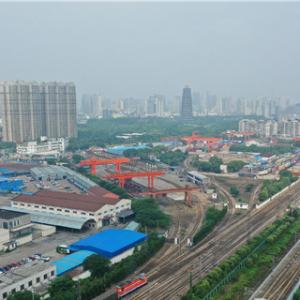 地铁2号线成功下穿沪宁城际与京沪普速铁路