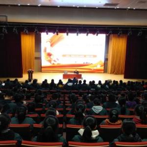 常州市三中:举办宪法讲座,弘扬宪法精神