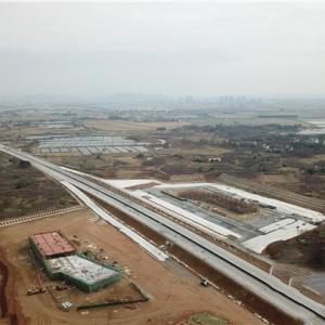 溧高常州段路面工程率先完成水稳主线摊铺