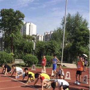 金秋十月 局小体育健儿在区秋季田径比赛中再夺冠军