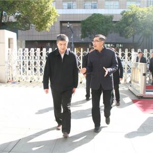 陈正春副市长一行来局小调研开学准备工作